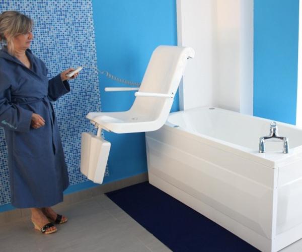 Motorizzata torre vasca motorizzata con sedile anatomico - Dimensioni bagno handicap ...