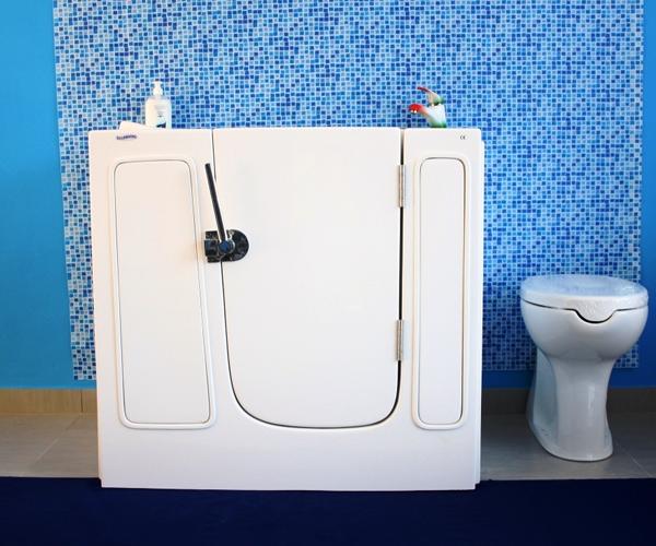 Vasca Da Bagno Piccolissima.Piccola Vasca Con Apertura Laterale Per Anziani E Disabili